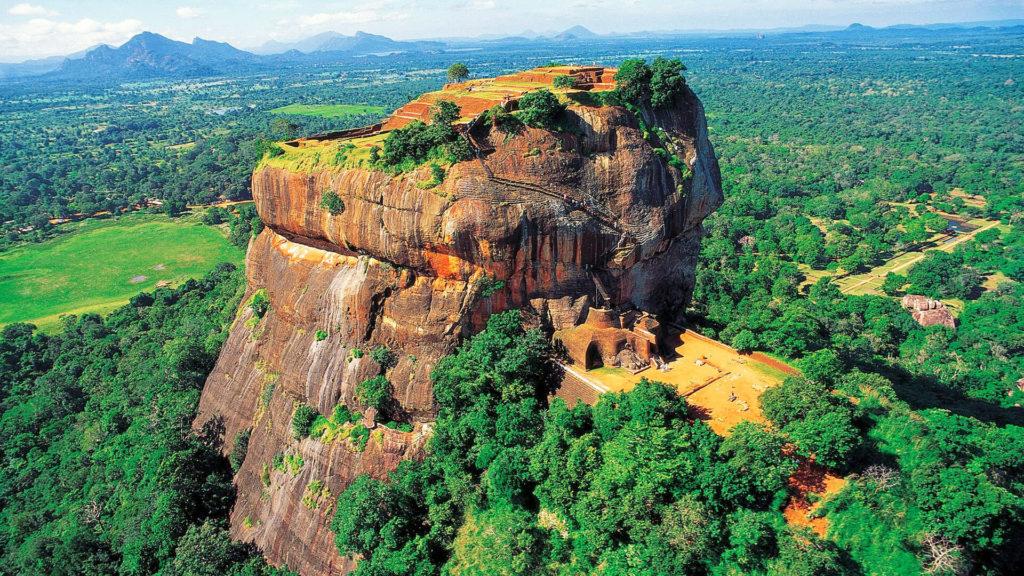 シーギリアの巨岩(スリランカ)
